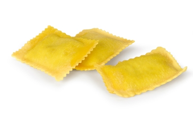 Ravioli with artichokes filling